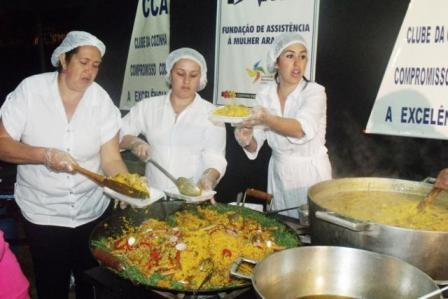 O-tradicional-prato-Paera-Caipira-foi-feito-pelo-Clube-da-Cozinha-de-Araxá._640x427