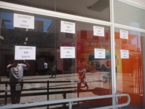 cartazes de greve bancos araxá