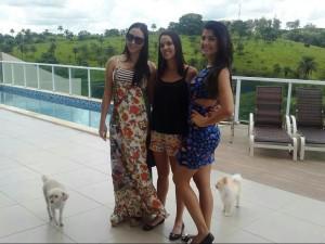 As primas Carla e Cássia Moura com a Miss Stefhanie