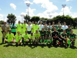Torneio de Futebol Campeão (a direita) e Vice campeão