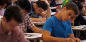 10jan2016---estudantes-realizam-prova-da-segunda-fase-do-vestibular-da-fuvest-durante-a-tarde-deste-domingo-na-universidade-de-sao-paulo-zona-oeste-da-capital-1452457784608_615x300